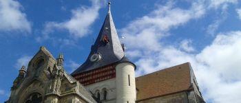 Beaumont-en-Auge et son clocher Beaumont-en-Auge