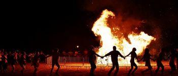 Les feux de la saint Jean Moulins-en-Bessin